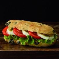 Le sandwich tomate mozzarella
